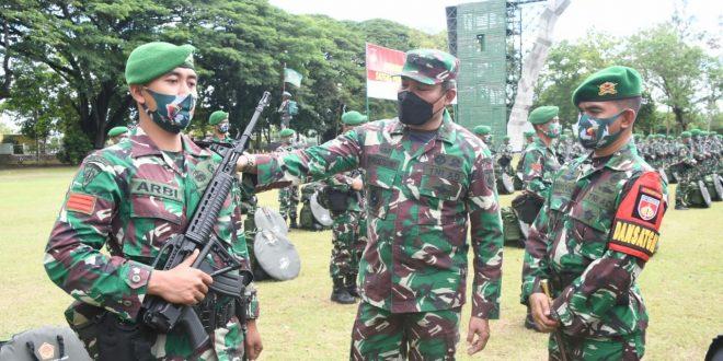 Kasdam IV/Diponegoro Cek Kesiapan Operasi Satgas Pamtas RI-PNG Yonif 410/Alugoro