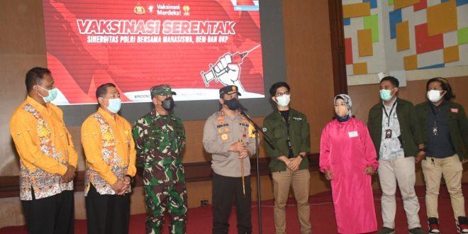 Pangdam IV/Diponegoro Tinjau Vaksinasi Massal di UNNES