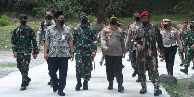 Semarak HUT TNI Ke-76, Pangdam IV/Diponegoro Dan Forkopimda Jateng Kunjungi Markas Grup 2 Kopassus